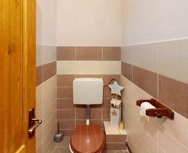 Rodinny-dum-Cista-u-Litomysle-Bathroom(4)