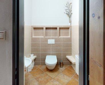 Rodinny-dum-Cista-u-Litomysle-Bathroom(3)
