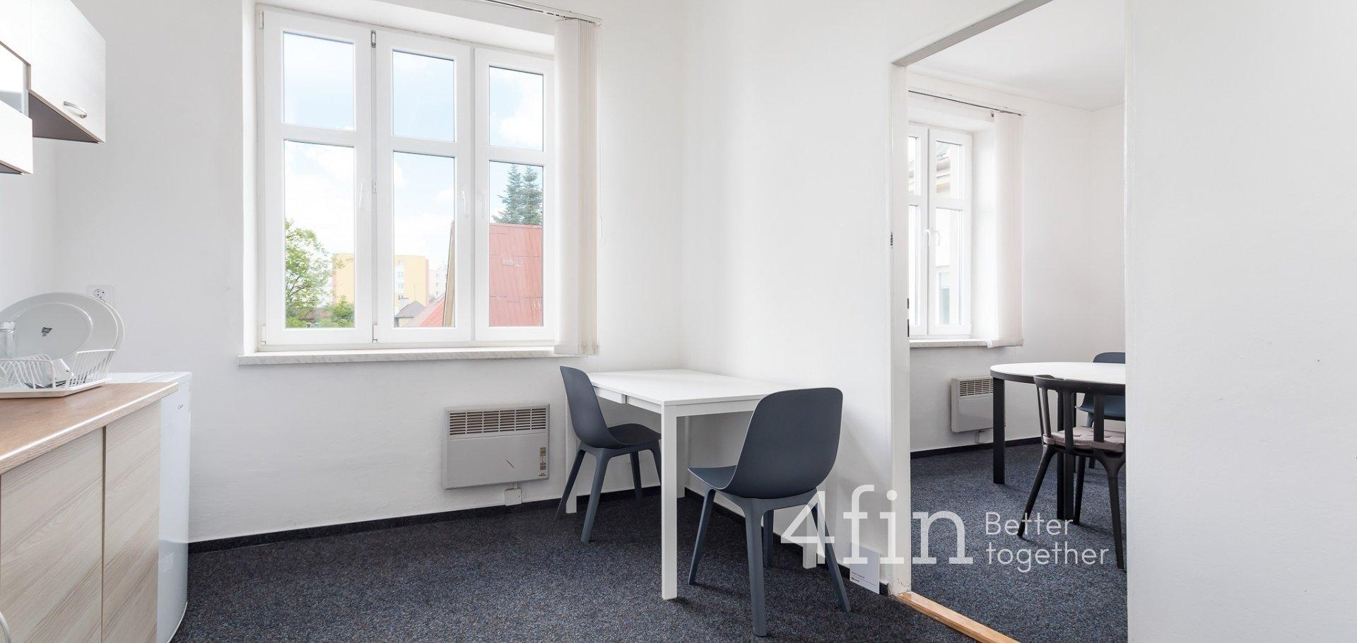 Pronájem kanceláře  65 m²