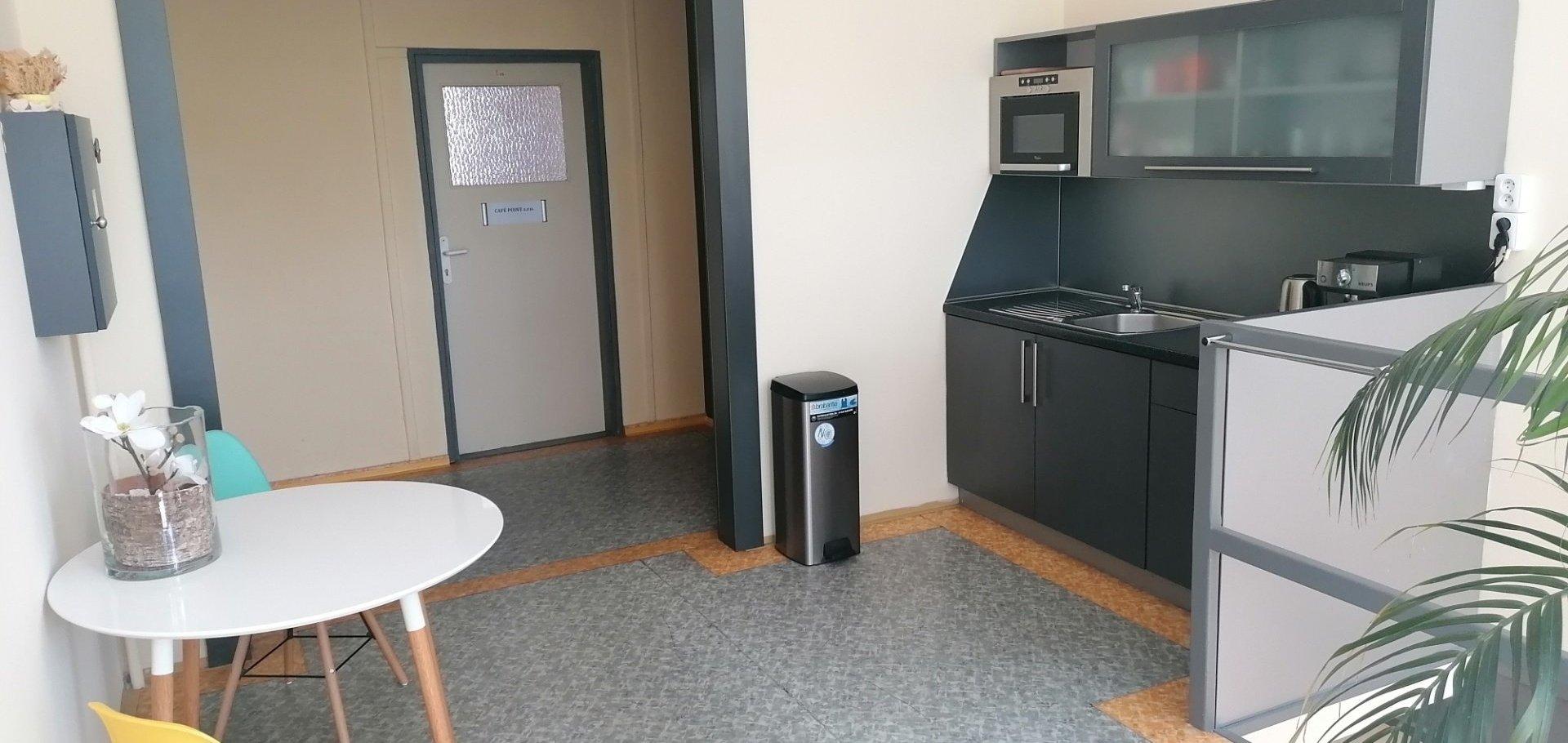Pronájem, 2 Kanceláře, 19m² - Teplice - Řetenice