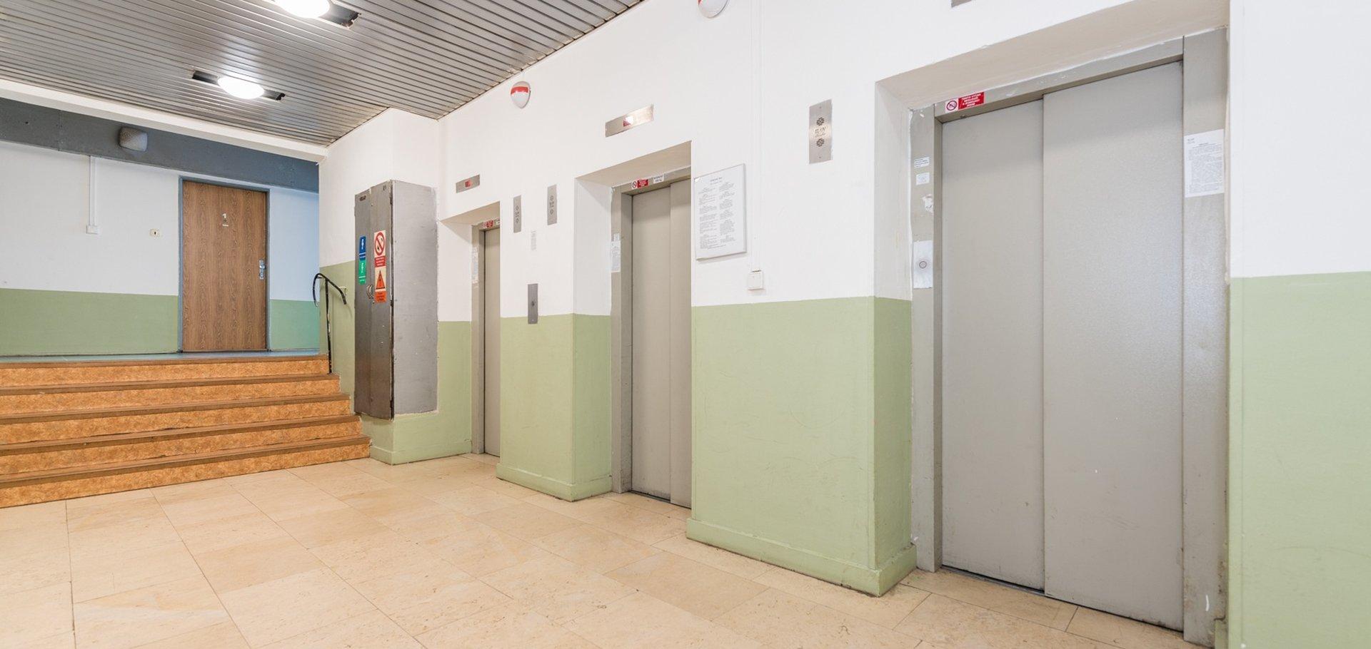 Prodej, Byty 1+kk, 23m² - Praha - Kobylisy