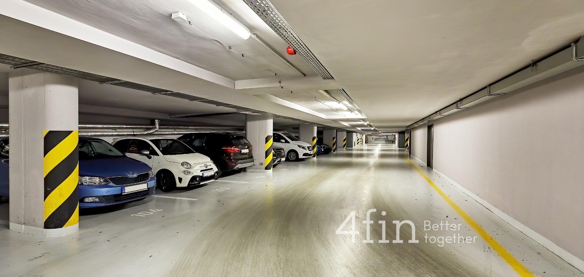 Pronájem bytu 2 + kk s parkovacím stáním, Na Maninách, Praha 7