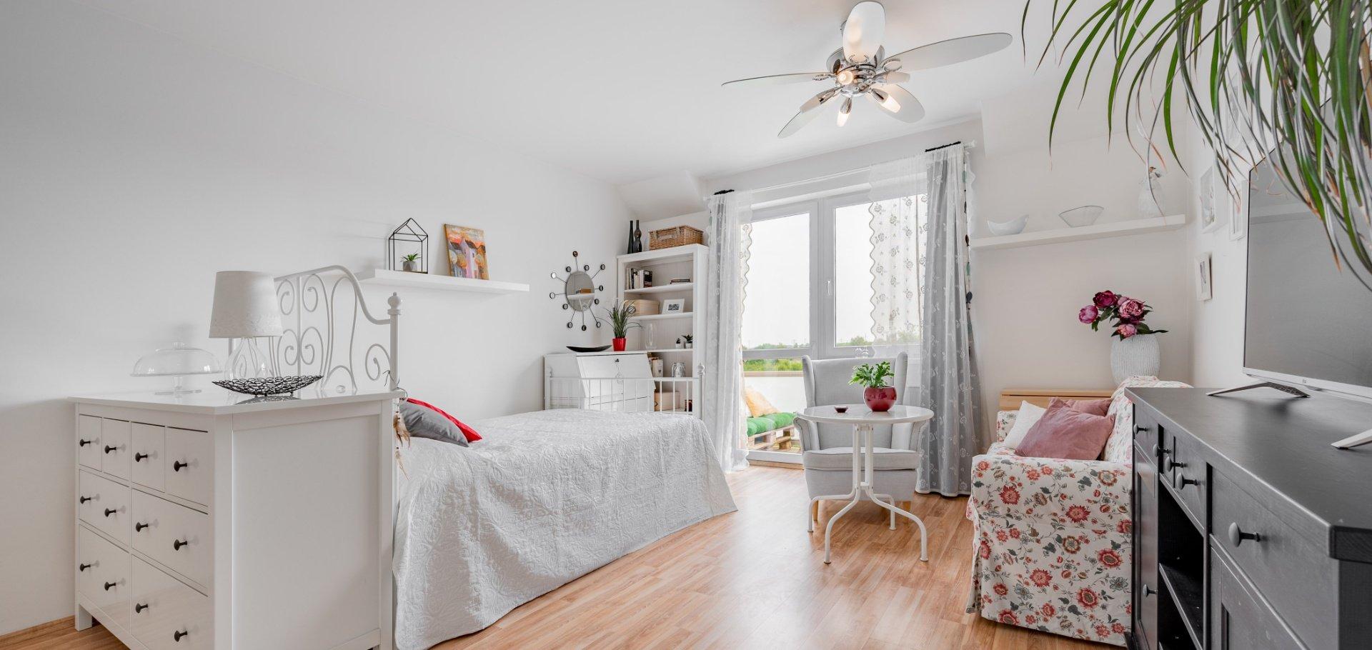 Prodej útulného bytu 1+kk se sklepem, 43m², Praha - Písnice