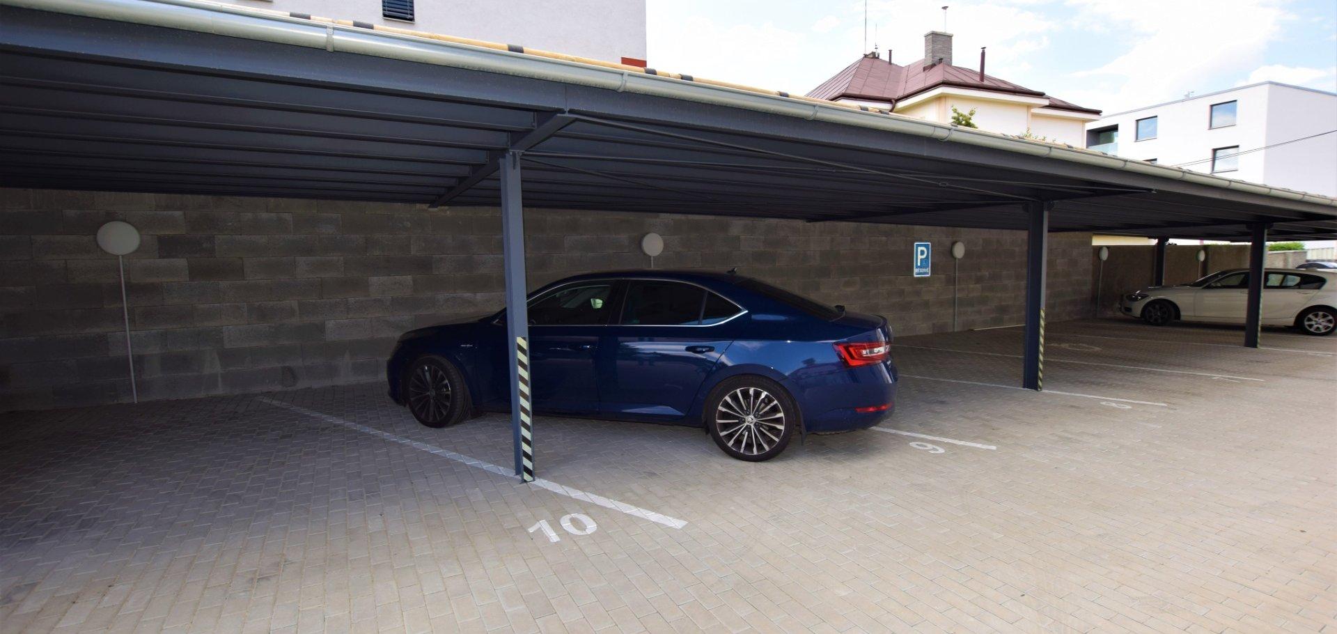 Pronájem bytu 2+kk 58m² s parkovacím stáním na vlastním pozemku,  Praha - Chodov