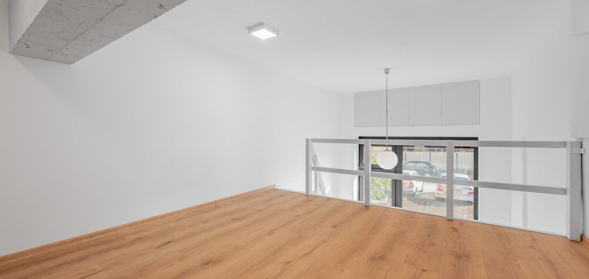 Loftový byt 1+kk 35m² (23,2m² + 11,8m²), Praha - Libuš