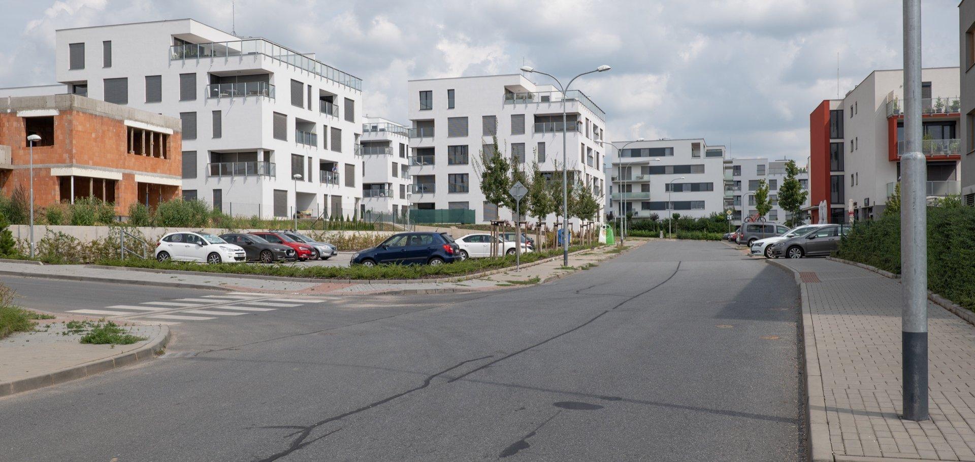 Pronájem venkovního stání, 12m² - Brno - Sadová