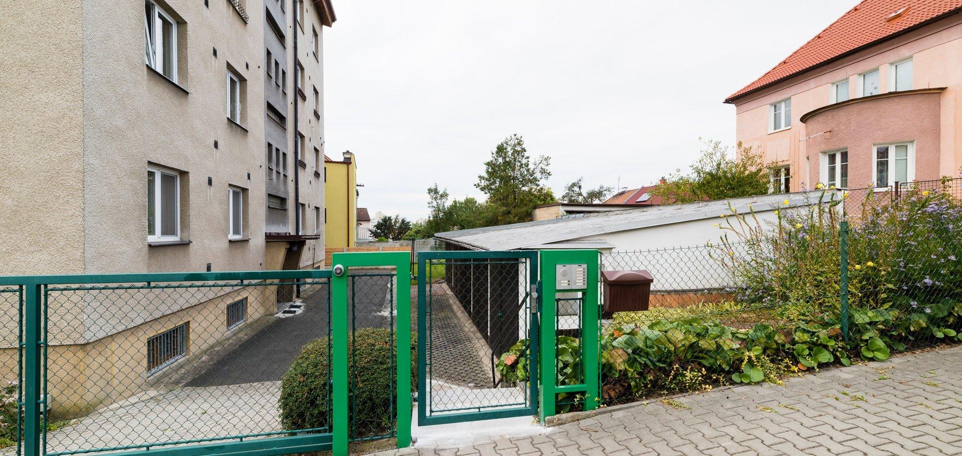 Prodej, Byty 3+1+šatna+balkón+garáž