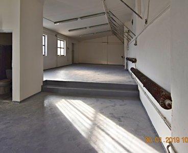 Pronájem, komerčního prostoru, 468m² - Praha - Libeň