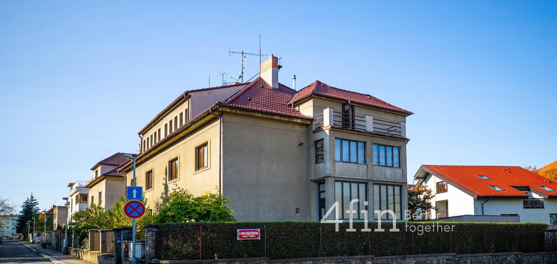 Prodej bytu 2+1 s terasou a zahradou, 64m², Praha 4 - Podolí