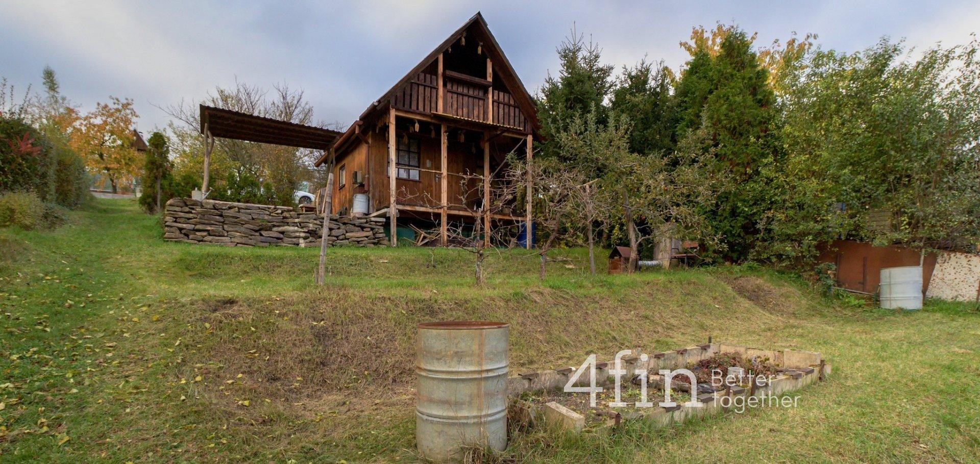 Pronájem chaty s pozemkem 585 m2