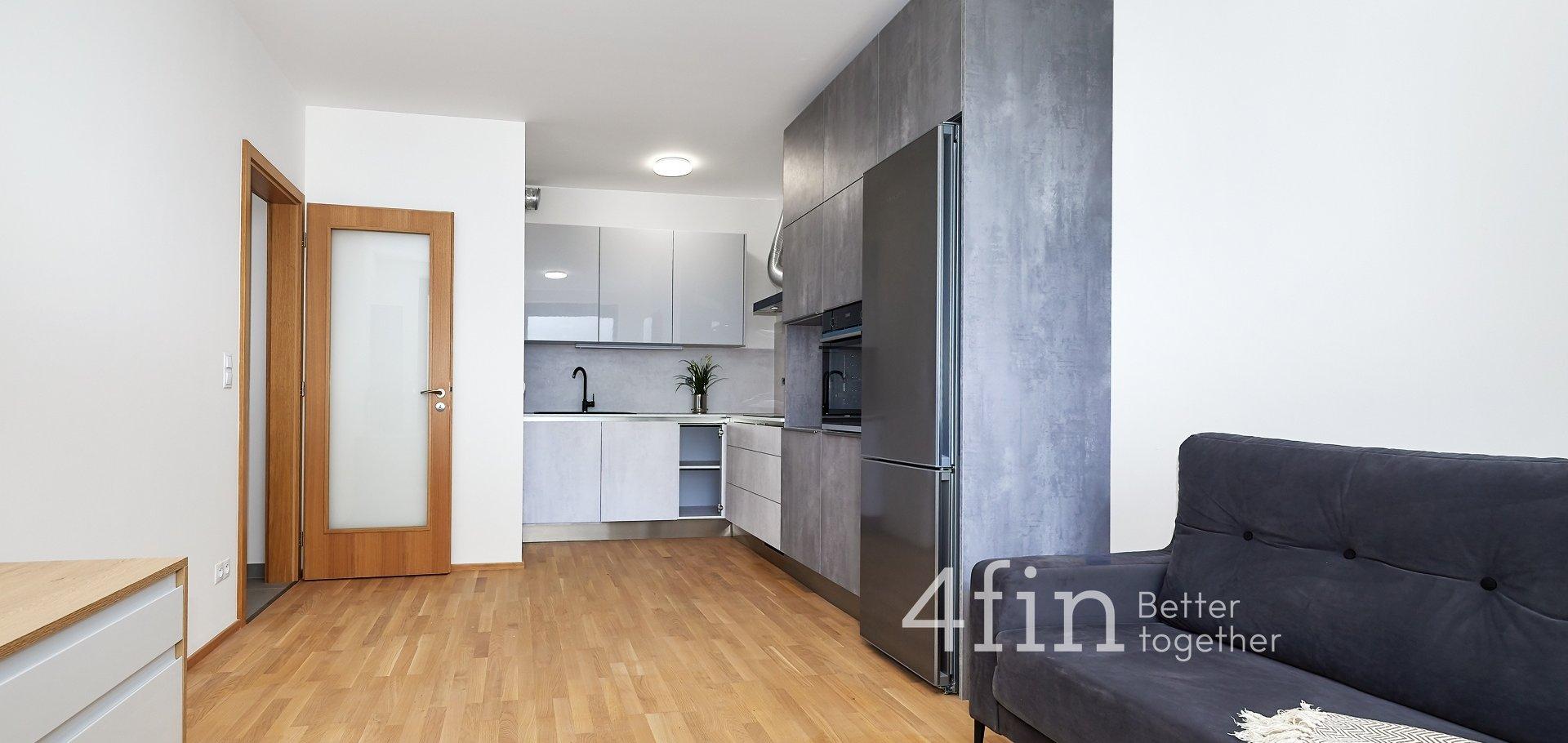 Pronájem bytu 3+kk s lodžií, 76m² - Praha - Holešovice