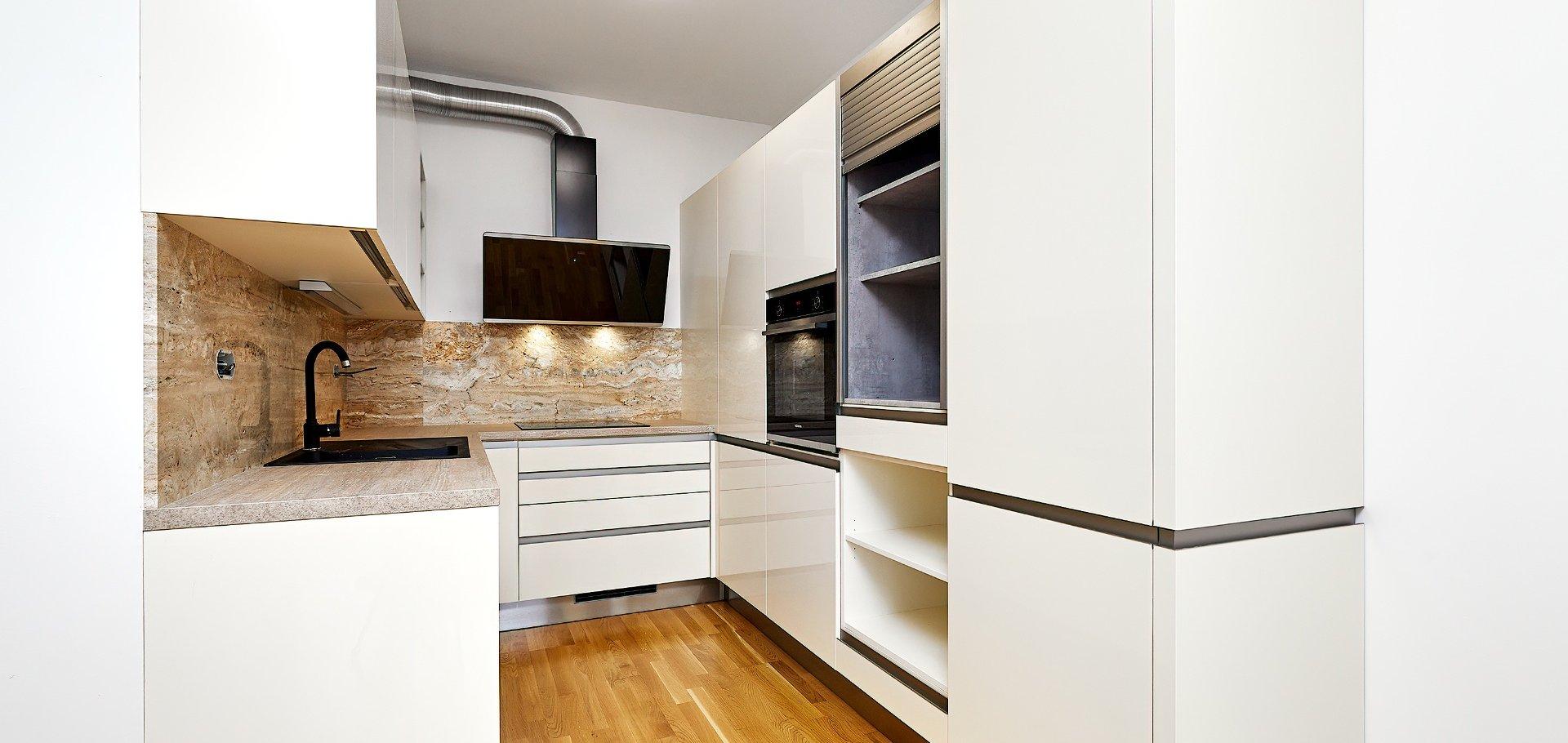 Pronájem moderního bytu 2+kk s balkonem, 57m², Praha - Holešovice