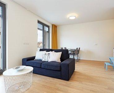 Pronájem bytu 2+kk s balkonem, lodžií, garážovým stáním a sklepem, 58m², Praha - Kobylisy
