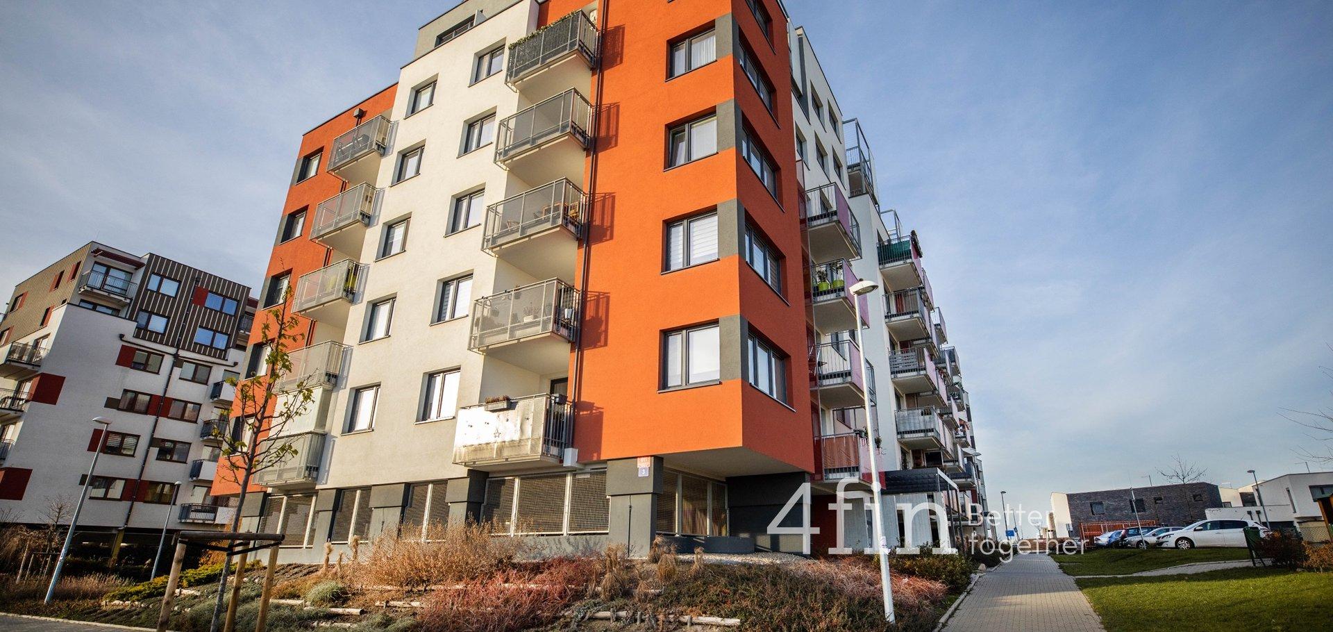 Prodej bytu 4+kk, 120 m², 2 terasy 52 m², 2 koupelny, garážové stání, Praha - Dolní Měcholupy