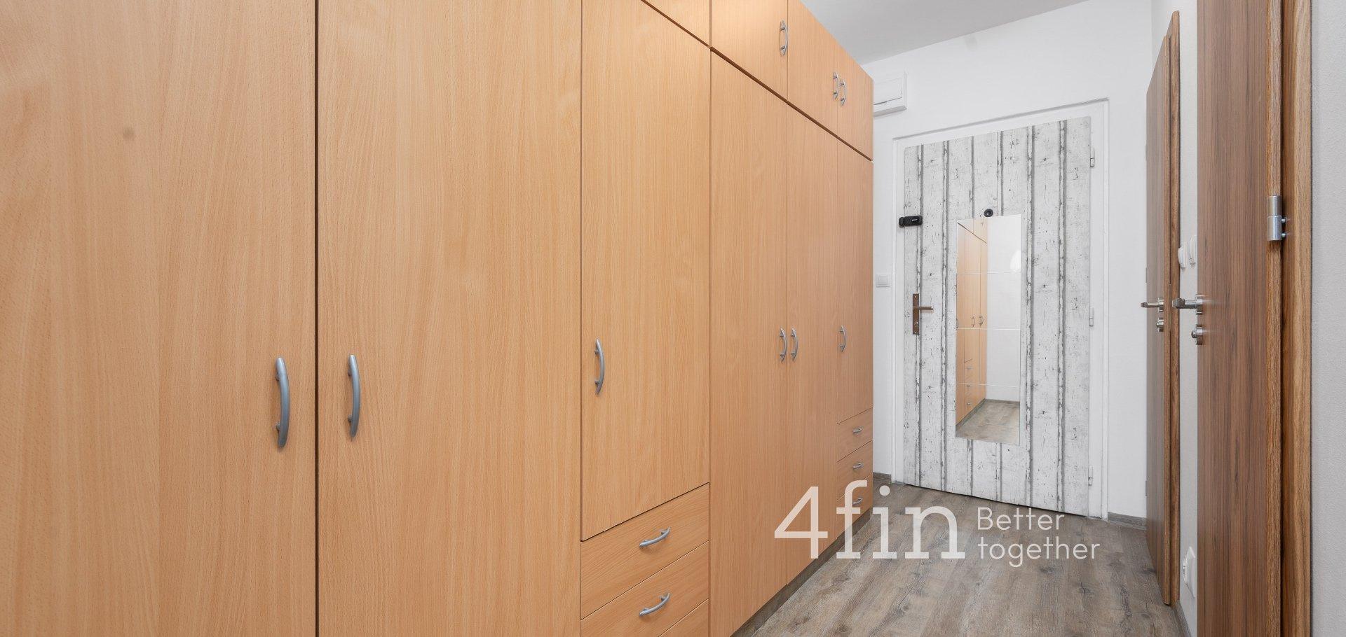 Pronájem bytu 2+kk po kompletní rekonstrukci, 43m² - Kolín IV