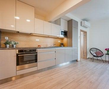 Pronájem krásného zrekonstruovaného bytu 3+kk s pracovnou, 71m²,  Praha - Vršovice