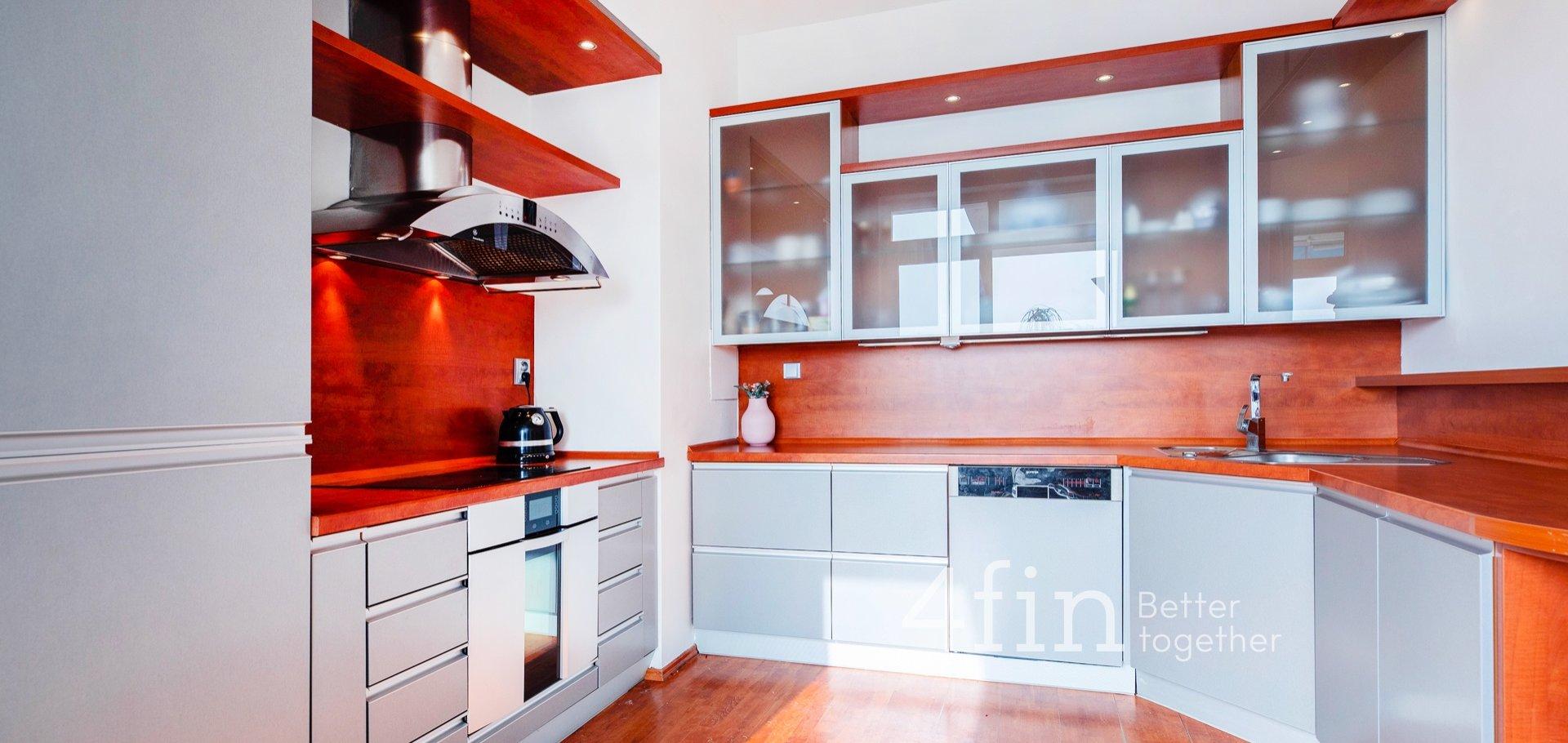 Prodej bytu 4+kk, 142m², terasa, 4 garáže, sklep, Praha - Záběhlice