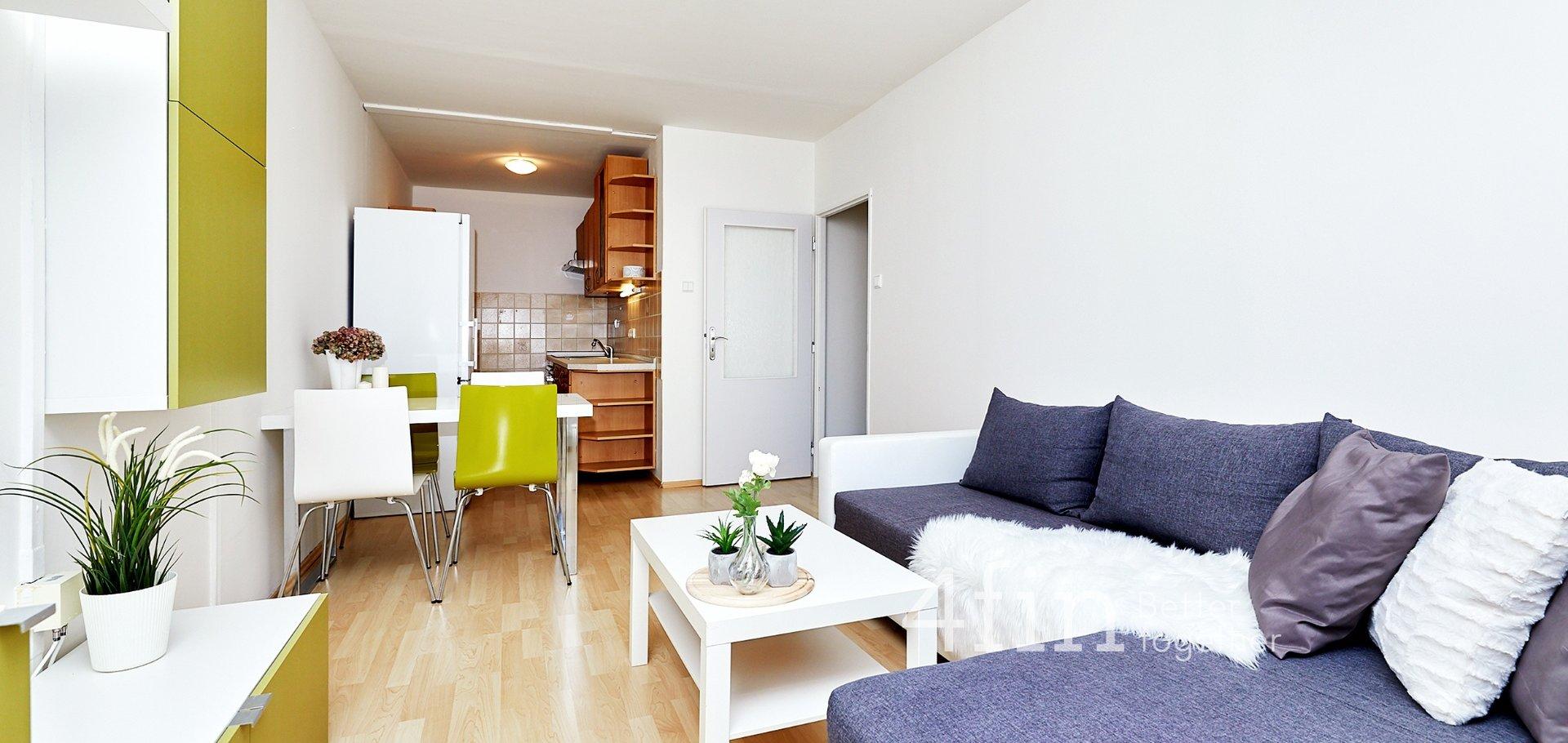 Pronájem světlého bytu 2+kk, 43m² - Praha - Kobylisy