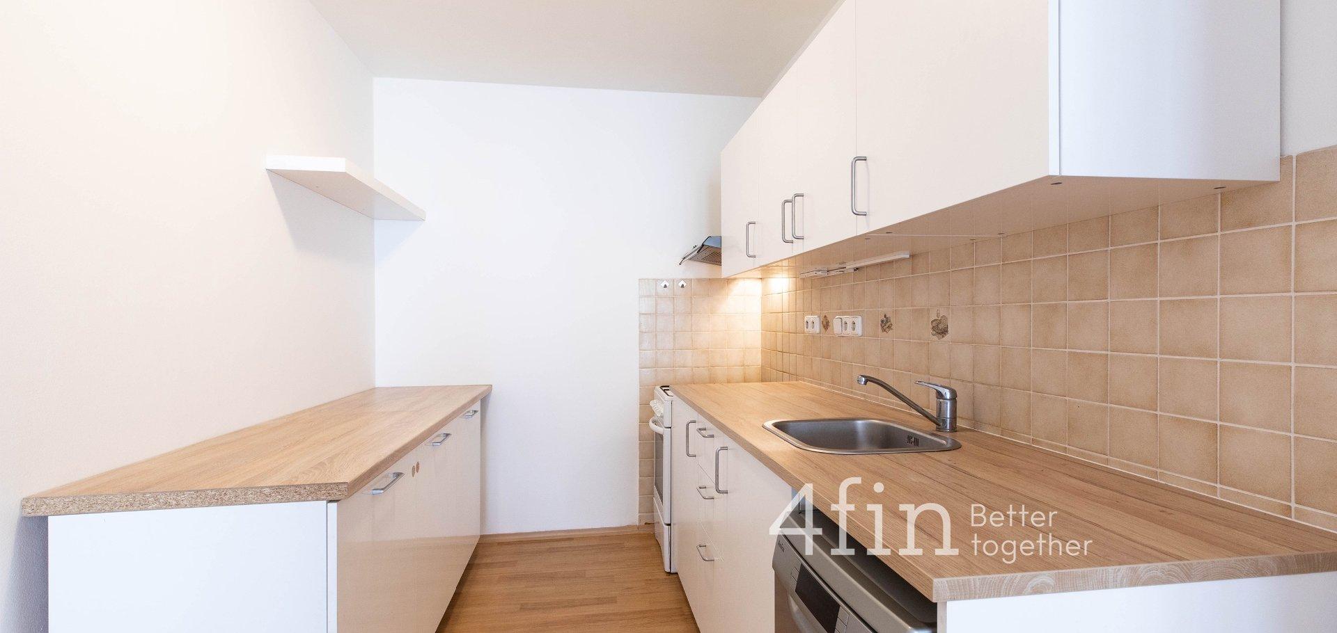 Pronájem zrekonstruovaného bytu 3+kk, 80m² s lodžií a sklepem - Praha - Žižkov - Lupáčova