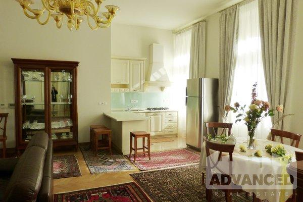 Rent, Flat of 2 bedrooms, 94 m2
