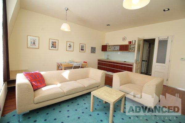 Rent, Flat of 1 bedroom, 60 m2
