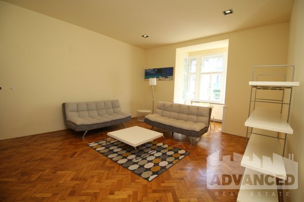 Rent, Flat of 1 bedroom, 65 m2