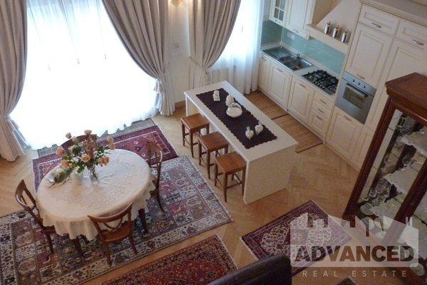 Rent, 2 bedroom flat, 153 m2