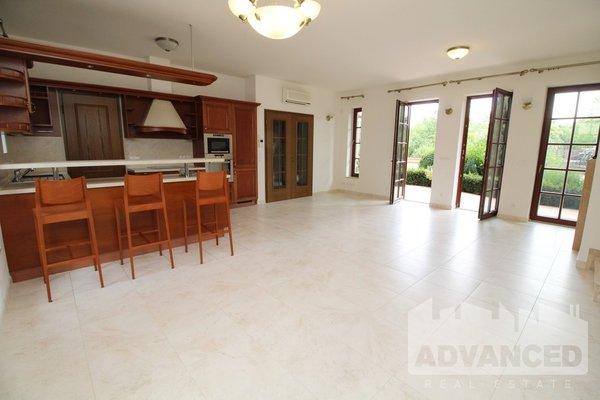 Rent, Flat of 3 bedrooms, 121 m2
