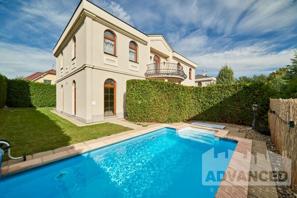 Villa for rent, 243 m2