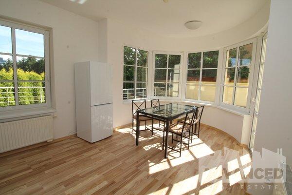 Rent, Flat of 1 bedroom, 72 m2