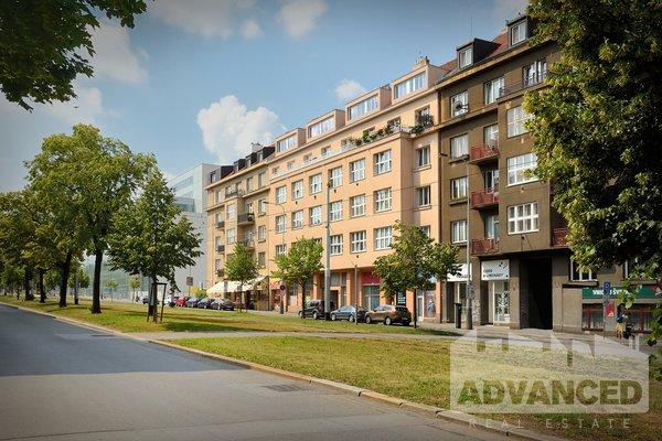 Prodej, Byty 2+kk, 68 m² + terasa 17 m2 - Praha - Dejvice