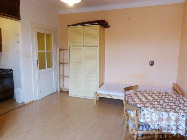 sleeping area 1