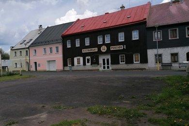 Pronájem, penzion s restaurací o zastavěné ploše 324m² , Měděnec,okres Chomutov, Ev.č.: 00316