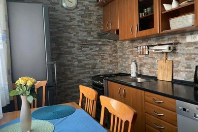 nabízí, prodej, byt 2+1 v Praze, Malešicích, Ev.č.: 00506