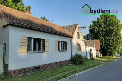 Prodej, Rodinné domy, 180m²  na vlastním pozemku 1489m2, se zahradou 588m2 a 2 pozemky o rozloze 1317m2, Měčín, okres Klatovy, Ev.č.: 00671