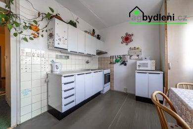 Prodej, Byty 4+1, 70,10 m² - Chválenice, Ev.č.: 00715