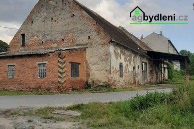 Prodej, Pozemky pro bydlení, 935m² - Klatovy - Beňovy  - pozemek se zbytky zemědělské stavby (stodola ca 551 m2), Ev.č.: 00722