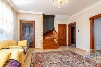 REZERVACE -Prodej, Rodinné domy, 190m² - Stochov - Honice, Ev.č.: 1754