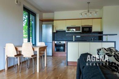 REZERVACE Prodej luxusního bytu 3+kk, 115 m2, terasa, lodžie, garážové stání a sklep, s výhledem do parku Kajetánka, Radimova, Praha 6 - Břevnov, Ev.č.: 21007