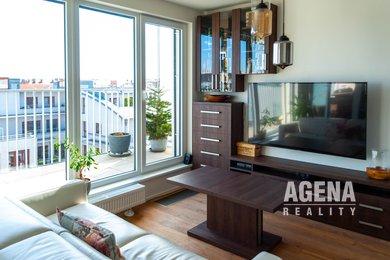 REZERVACE Pronájem bytu 1+kk s terasou a GS, 61m2, ul. Lindleyova, Praha 6-Dejvice,, Ev.č.: 21009