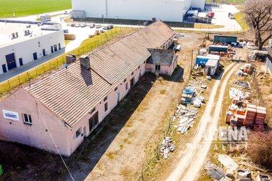 REZERVACE - Budova s pozemkem pro komerční využití -  5.626. m² - Logistický park Pavlov u Unhoště, Ev.č.: 21012