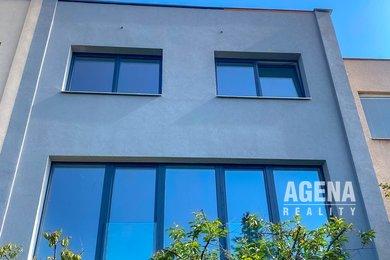 Prodej dvougeneračního řadového domu o ploše 280 m2, pozemek 175 m2, Praha 5 Císařka, Ev.č.: 21022