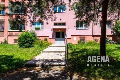 Prodej bytu 2+1, osobní vlastnictví, plocha 55 m2, lodžie, sklep - Praha 10 Malešice, Ev.č.: 21023