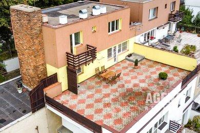 Prodej mezonetového bytu, 4+1, vyhlídková terasa, garáž, velký sklep, Ev.č.: 21029