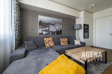 Prodej světlého bytu 2+kk/lodžie, 48m² , ul.  Mladenovova, Praha 4, Ev.č.: 21030