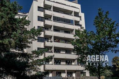 V PŘÍPRAVĚ Nabízíme k pronájmu světlý byt 2+kk, lodžie, sklep, GS, vybavení bytu, ul. Kytínská, Praha 10-Hostivař, Ev.č.: 21031