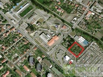 Prodej komerčního pozemku 4512m² - Mělník