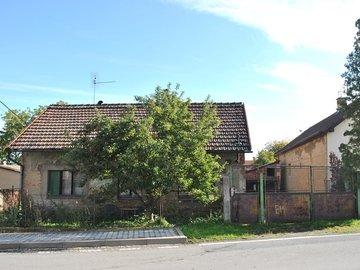 Rodinný dům 3+1, 70 m2, pozemek 419 m2, před rekonstrukcí, Dřínov