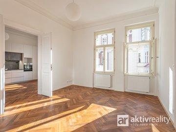 Pronájem krásného a prostorného bytu 3+1, 108m² - Praha - Nové Město