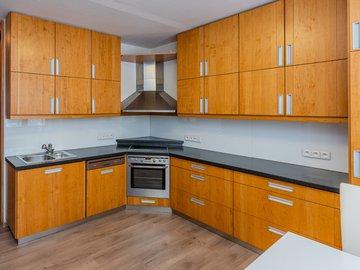 Prodej mezonetového bytu, 4+1, 103 m2, ul. Nad Zámečnicí, Praha - Smíchov
